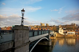 Windsor, Berkshire - Image: Windsor Bridge and Town