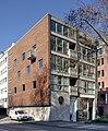 Wohn- und Geschäftshaus Burgmauer 60 - Paramenten Wefers (4323-25).jpg