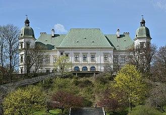 Ujazdów Castle - Ujazdów Castle, seen from the Royal Canal