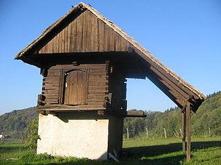 Granary storage building for grain