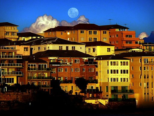 (1) Moonrise Bondi Beach