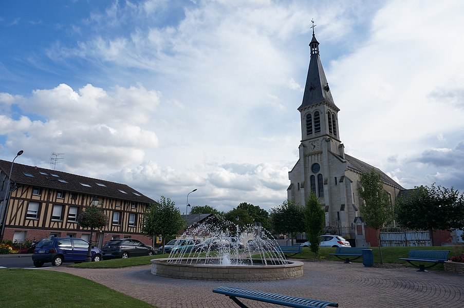 L'Église_et la place centrale.