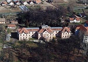 Ópusztaszer - Ópusztaszer, palace from above