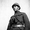 חייל עם משקפת בצכוסלובקיה 1937 - iדר דוד עופרi btm504.jpeg