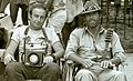 יוני המנחם וריצ'רד צ'מברלין במכרות המלך שלמה בזימבבווה.jpg