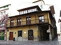 025 Casa amb balconada, c. Sol 2 - c. La Ferrería (Avilés).jpg