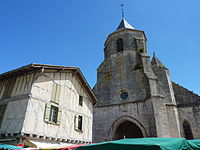 025 Issigeac (Dordogne) L'église.JPG