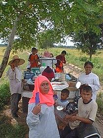 02 Villagers on Ban Sam Ruen Farm.JPG