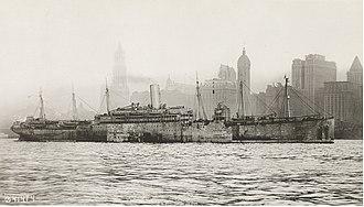USS Republic (AP-33) - USS President Grant off Manhattan in March 1919