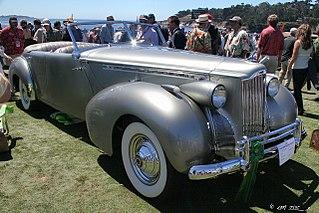 File:1940 Packard 180 Darrin 4-door Convertible Sedan - fvr