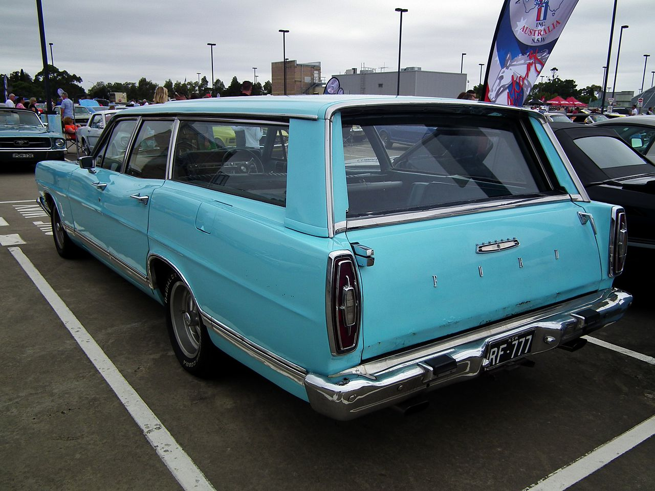file 1967 ford country sedan station wagon 8450831319. Black Bedroom Furniture Sets. Home Design Ideas