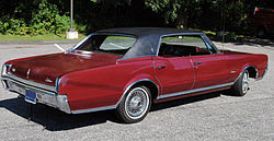 Oldsmobile Cutlass Hardtop Sedan 1967