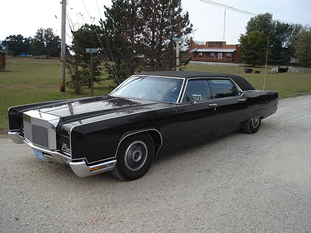 file 1972 lincoln continental andy hotton limousine flickr wikimedia commons. Black Bedroom Furniture Sets. Home Design Ideas