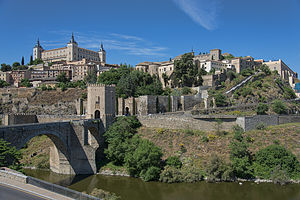 Puente de Alcántara - View of the Puente of Alcántara (left) from the east