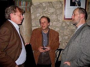 """Bogdan Tosza, Jan Strzałka (""""Tygodnik Powszechny"""") i Piotr Mitzner, Kraków, 26 października 2007 r."""