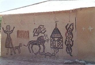 Bolgatanga - Ancient style painted bungalow house in the suburb of Bolgatanga