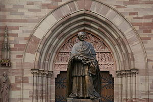 Charles-Émile Freppel - Statue of Charles-Émile Freppel in front of Saints-Pierre-et-Paul-Church in Obernai, France