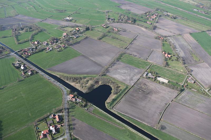 File:2013-05-03 Fotoflug Nordholz Papenburg HP 2795.JPG