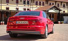 Posteriore di una Audi A4 quinta generazione