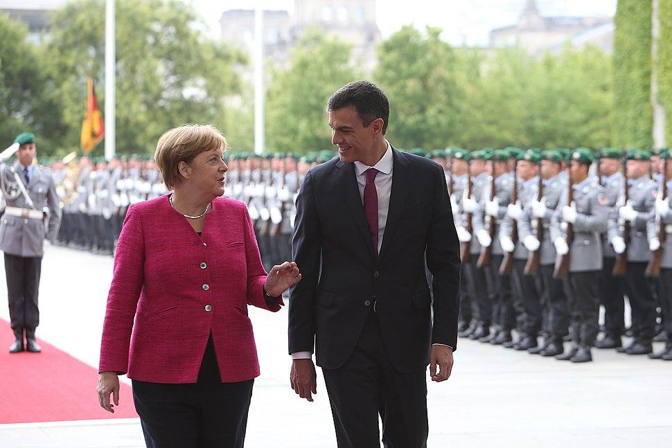 2018-06-26, Pedro S%C3%A1nchez se re%C3%BAne con Angela Merkel 1