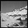 3.3.65. Pic du Midi et village de la Mongie dans la neige (1965) - 53Fi5076.jpg