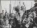 300 kinderen uit Jordaan gaan vissen aan het Noord-Hollands Kanaal De winnaar i, Bestanddeelnr 072-1018.jpg