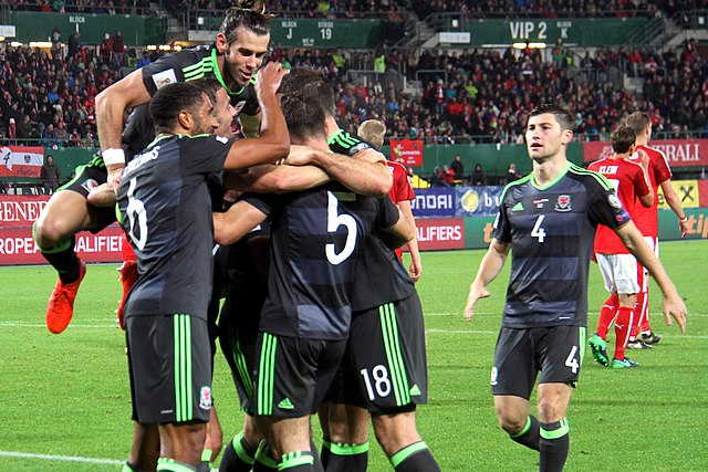 Wales celebrate their second goal against Austria, 6 October 2016  Photographer: Benutzer Steindy