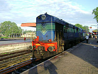 A WDP1 loco at Gudivada Train station.jpg