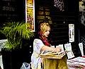 A painter at Chiado (19309387259).jpg