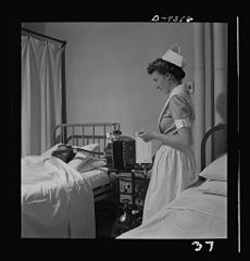 A student nurse gives a patient a metabolism test 8b08222v.jpg