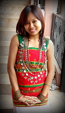 79ab6a4812 Tripuri dress - A tripuri girl wearing Rigwnai and Risa