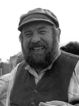 Shmuel Rodensky - Rodensky on the set of  Tevye and His Seven Daughters, 1967