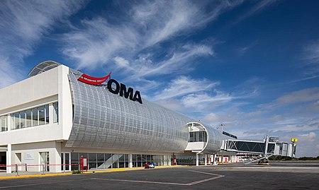 Lapangan Terbang Antarabangsa Ponciano Arriaga