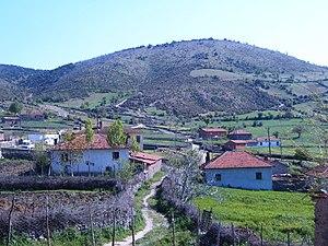 Türkçe: karacaağaç köyü evden bir manzara resi...