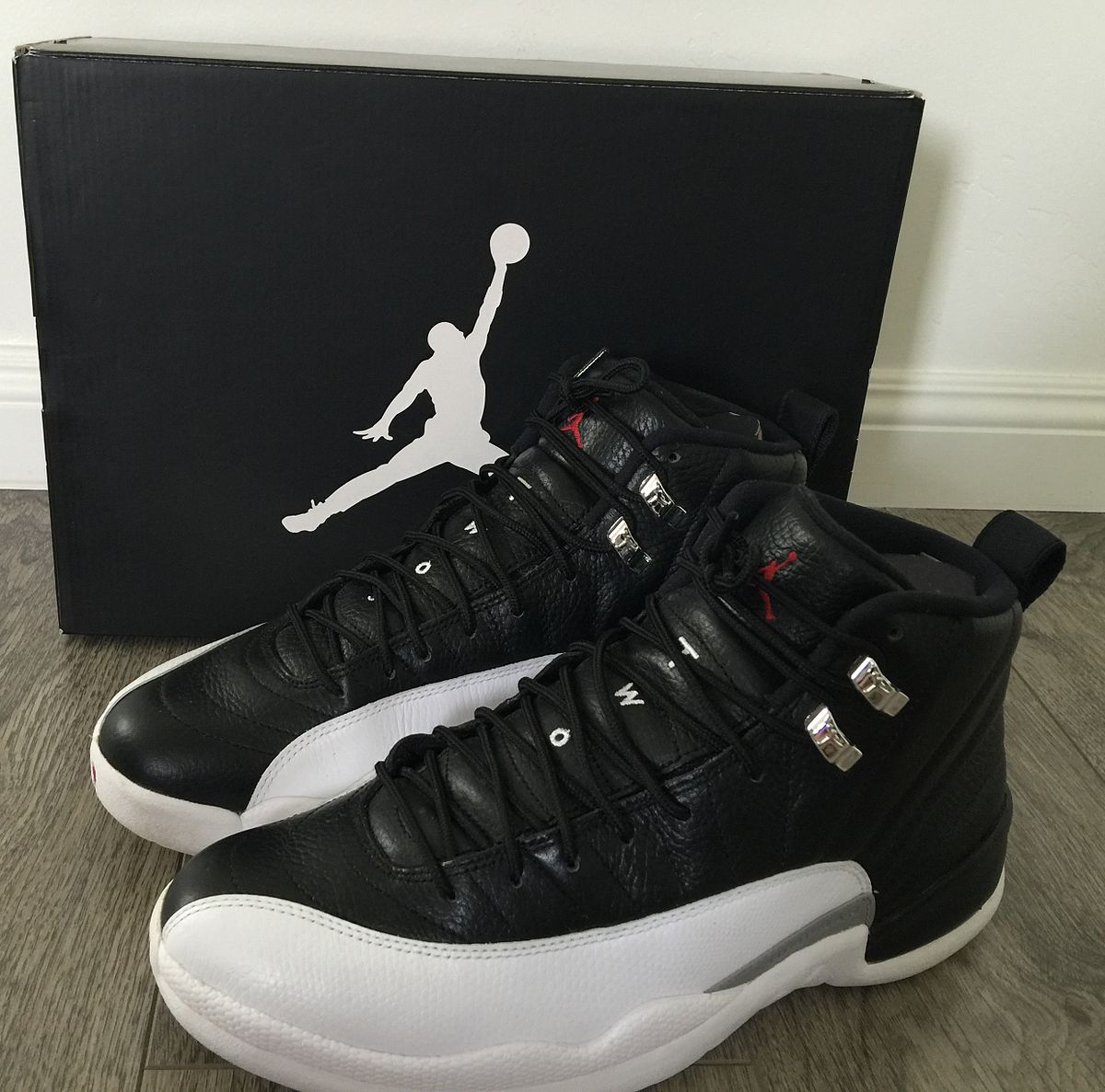 5c4f42f50bcf28 Air Jordan Retro XII - Wikipedia