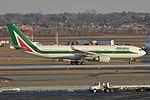 Airbus A330-202 'EI-EJO' Alitalia (30741782836).jpg