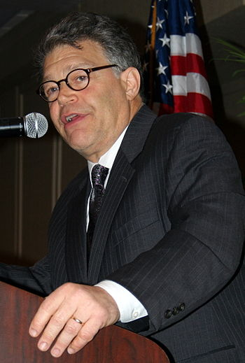 English: Al Franken giving a political speech ...