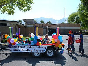 Public library advocacy - The Alamogordo Public Library in New Mexico advocates for their summer reading program in the 2007 Independence Day Parade.