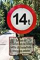 Albeck Untere Schattseite Gemeindestraße Gurk-Brücke Verkehrszeichen 04082019 6884.jpg