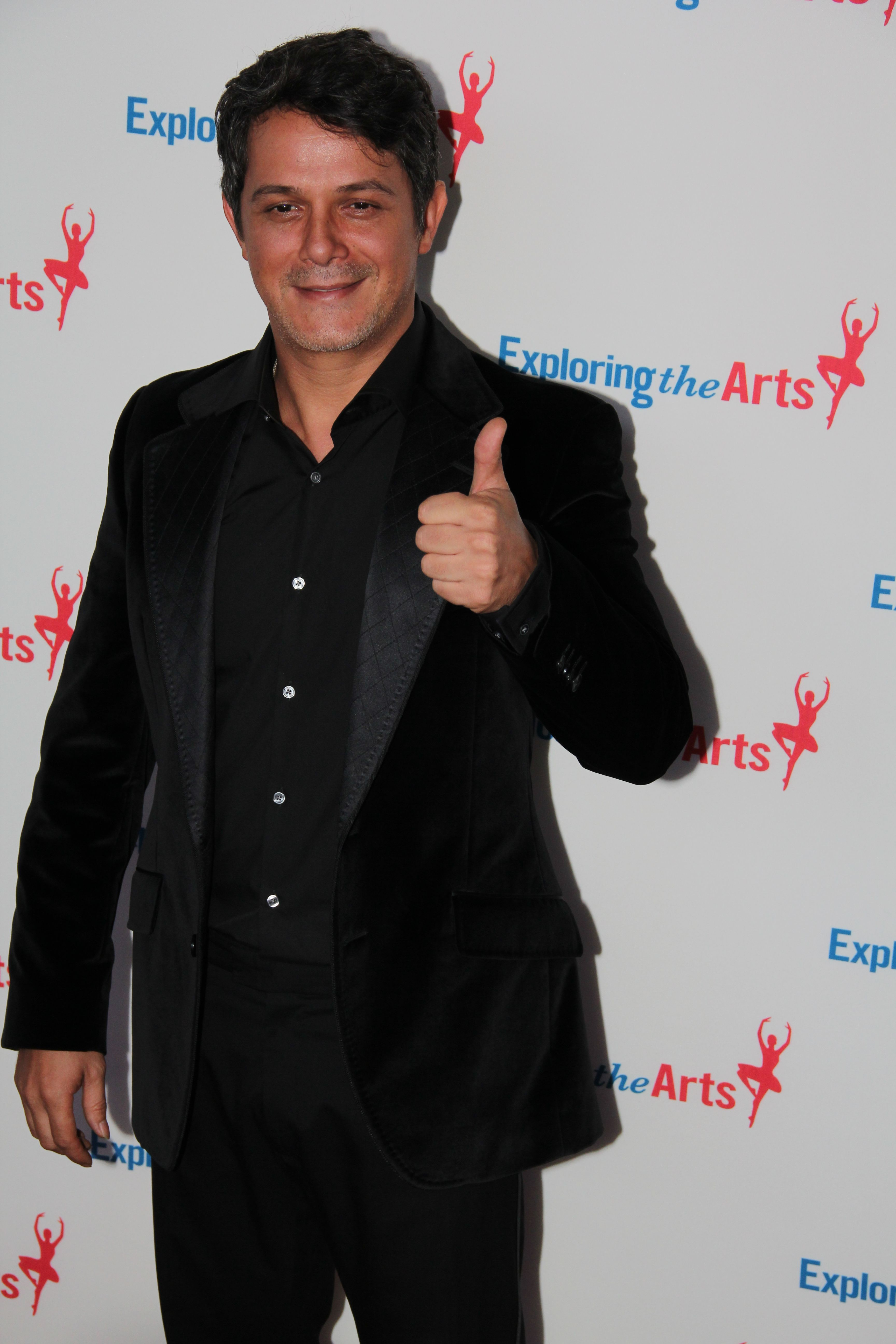 Alejandro Sanz at Tony Bennett Birthday Gala.jpg