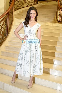 Alia-at-the-press-conference-of-Singapore-Tourism-Board-5.jpg