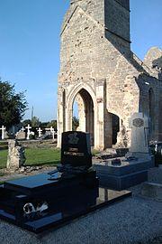 Ancienne église d'Auxais (4).jpg