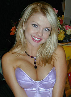 Angela Little at Glamourcon 33 (2003).jpg