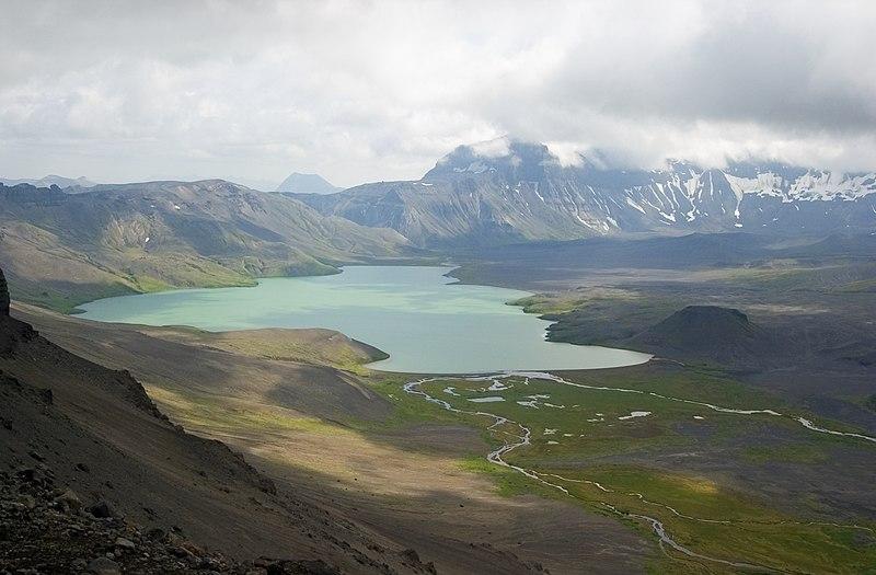 File:Ania surprise lake 20060809205205.JPG