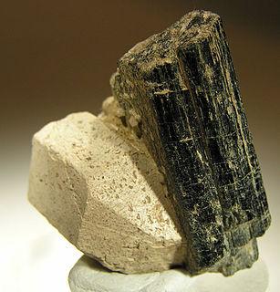 Hornblende A complex inosilicate series of minerals