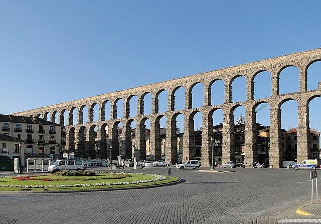 File aqueduct of segovia wikimedia commons - Acueducto de segovia arquitectura ...