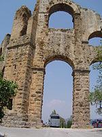 Überreste des Aquädukts bei Aspendos