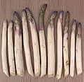Asperges half mei Asparagus officinalis.jpg