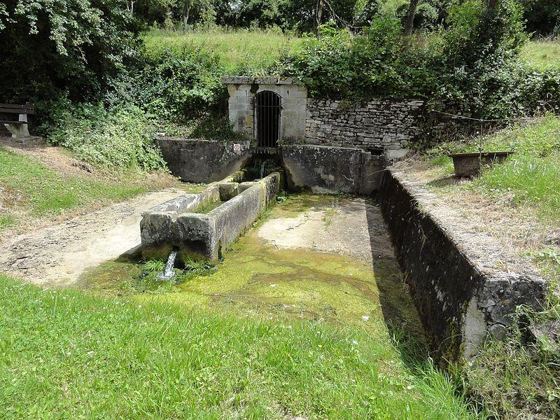 Autrepierre (M-et-M) fontaine et gayoir