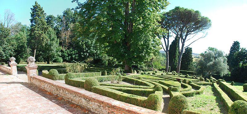 File:Auzil jardin2.jpg